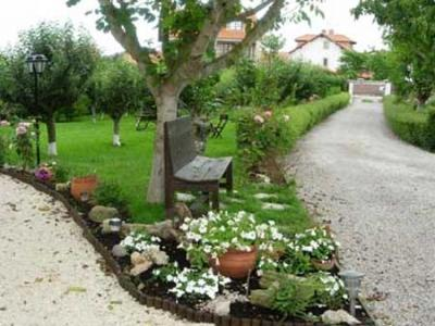 Posada hotel los trastolillos en cantabria selectahotels for Jardines con arboles frutales