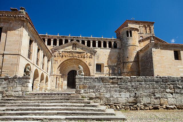 Santillana del Mar - pueblos medievales para ir con niños