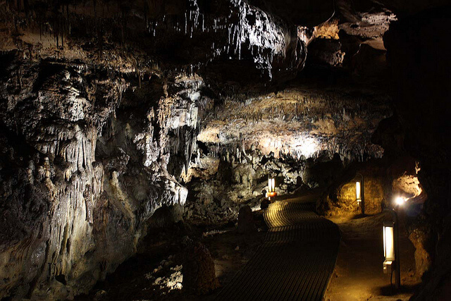Cueva de Los Enebralejos