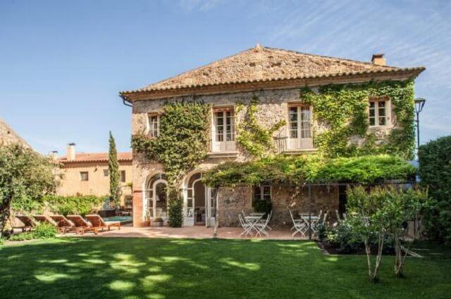 10 hoteles con encanto para viajar con mascotas - Girona hoteles con encanto ...