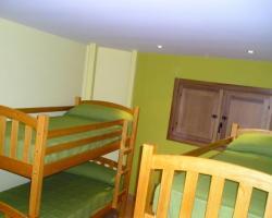 habitaciones con  2 literas o 3 literas