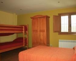 dormitorio nº 6 cama matrimonio, litera y baño